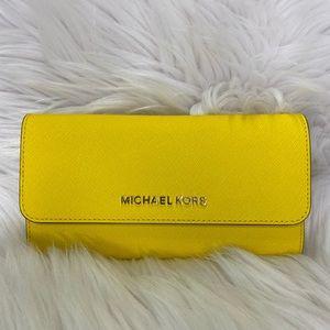 💛Michael Kors💛Jet Set Trifold Wallet Yellow